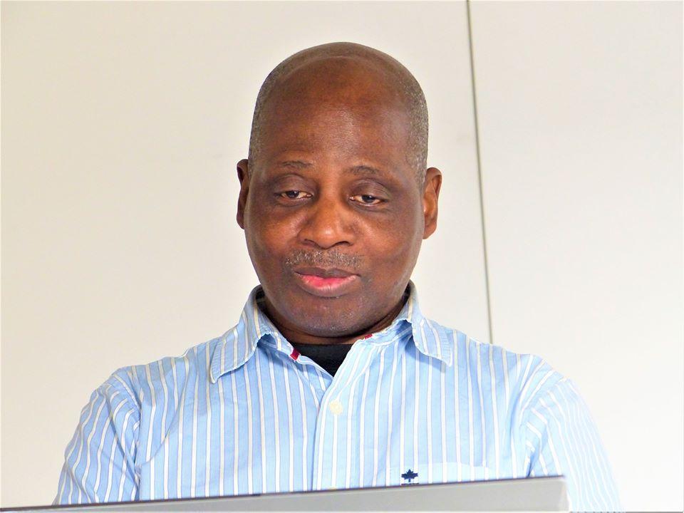 REGARD-AFRO : FAUT-IL OPPOSER L'ÉCOLE OCCIDENTALE À L'AFRICANITÉ ?